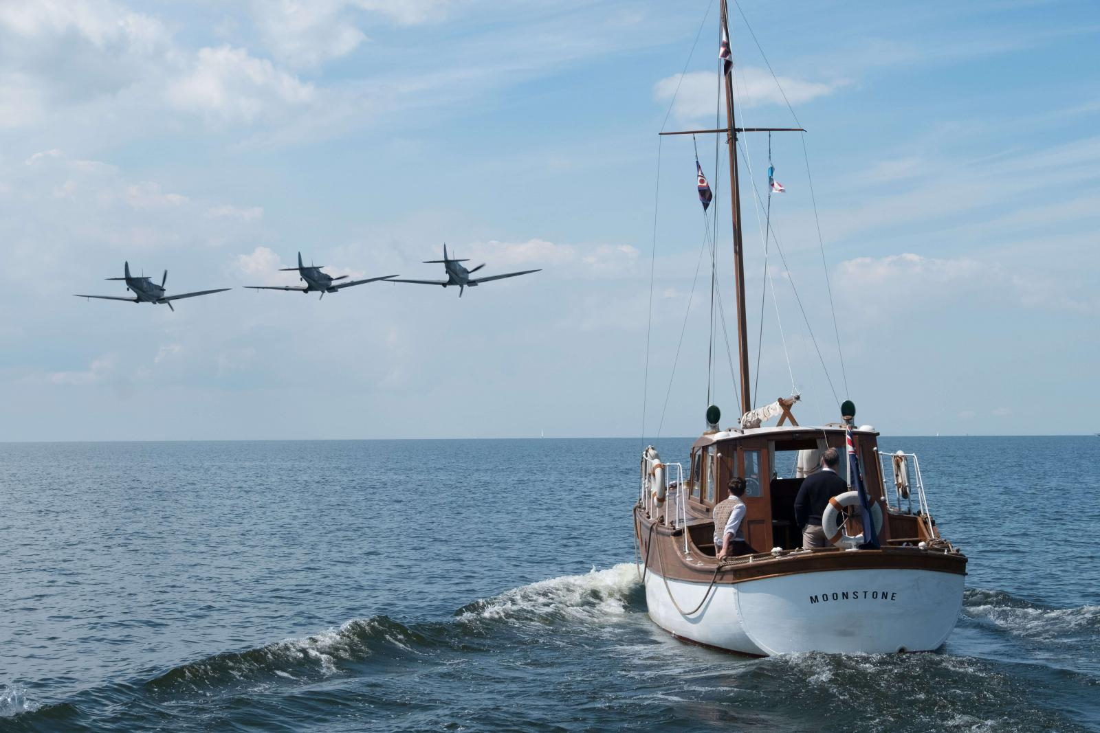 Dunkirk Movie Review: A Unique And Discomforting Look At A Semi-Apocalyptic Universe, Film Companion