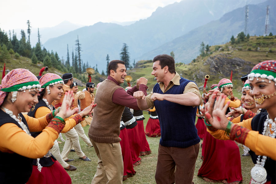 Tubelight Movie Review: A Wafer-Thin Story Injected With Wannabe-Hirani Elements, Film Companion