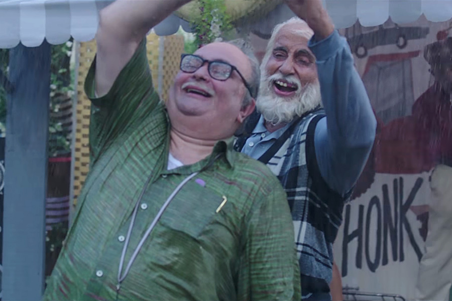 Trailer Talk: In 102 Not Out, Amitabh Bachchan And Rishi Kapoor Play Father And Son, Film Companion