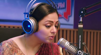 movie-review-kaatrin-mozhi-jyothika-radha-mohan