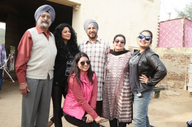 Jyotika on the sets of Nankana along with Gurdaas Maan and the rest of the cast