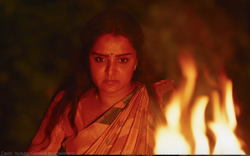A molested woman seeks revenge in Rosshan Andrews' powerful 'Prathi Poovankozhi', aka 'Manjuvinte Prathikaram'