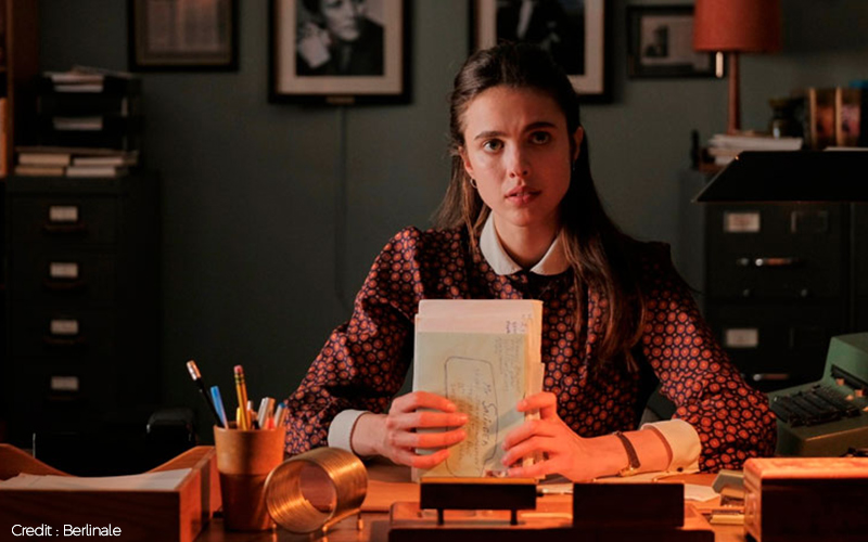 My Salinger Year Movie Review: Margaret Qualley And Sigourney Weaver Star In A Fairy-Tale Drama Set In The Publishing World