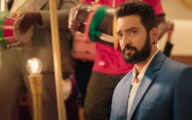 Parris Jeyaraj Movie Review: The New Santhanam 'Adultery Comedy' Is A One-Trick Pony That's Silly, Absurd And Laugh-At-Yourself Funny
